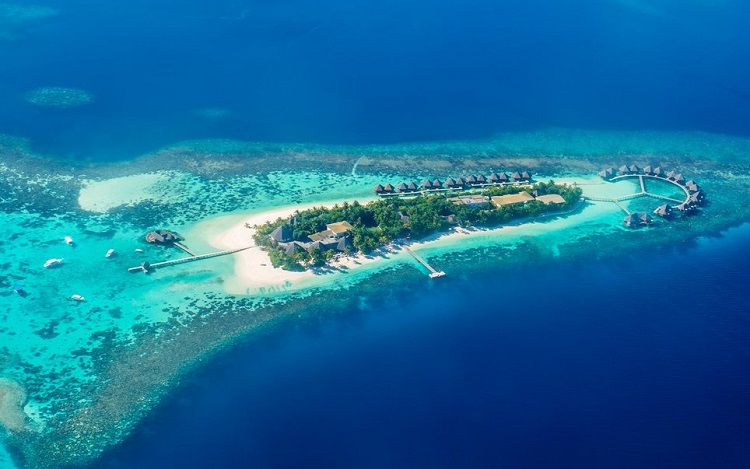 دریای آبی  رنگ مالدیو