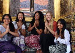 حضور بانوان در معابد بودایی