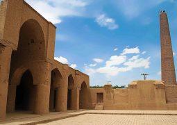 جمعی از مردم: مسجد تاریخانه دامغان، نماد شهر دامغان