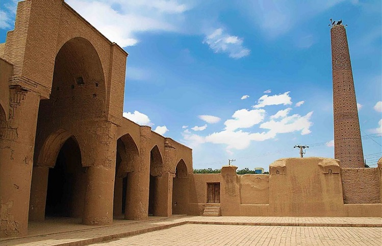 مسجد تاریخانه دامغان