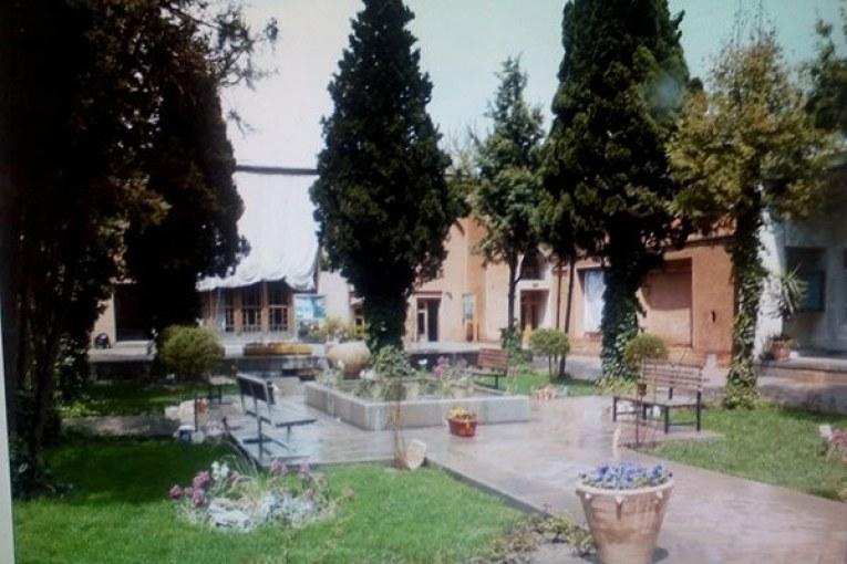 قطع بیش از 40 اصله درخت در دانشگاه هنر اصفهان!