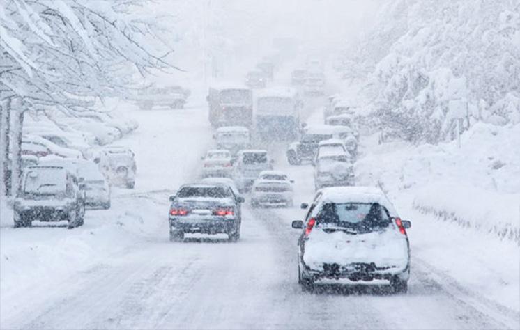 حفظ فاصله تا ۵ برابر بیشتر در برف و یخبندان است