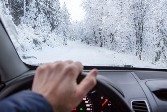در زمان بارش برف چگونه رانندگی کنیم